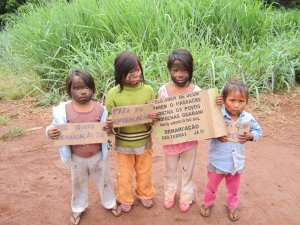 crianças guarani kaiowa